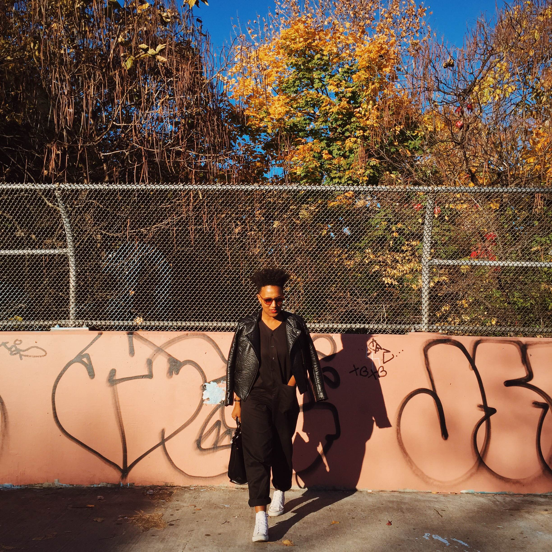 Jacket:H&M | Jumpsuit: Urban Outfitters | Shoes: Converse All-Stars | Handbag: Zara