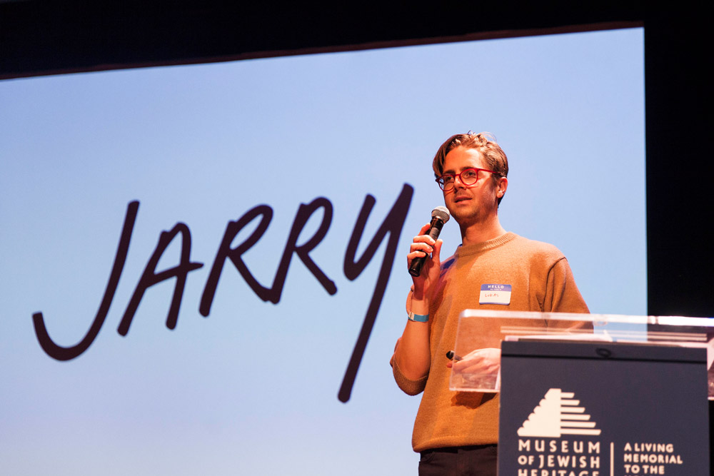Editorial Director Lukas Volger presenting at Bitten in 2016. Photo credit: Bitten.