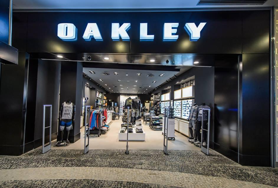 Oakley_BossaNova 01.jpg