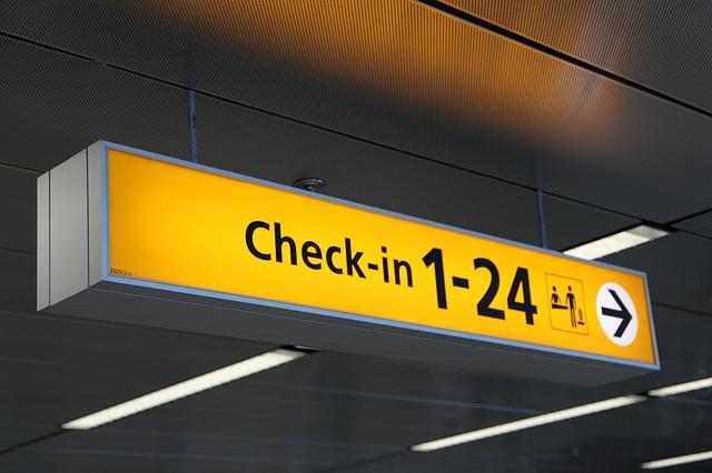 airport-20543_640.jpg