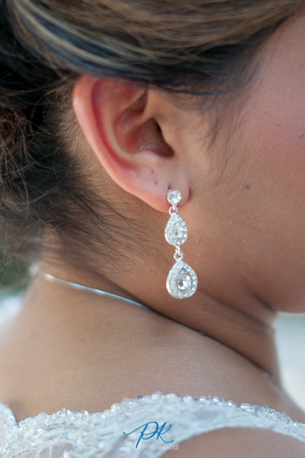 Monica wore simple and gorgeous earrings on her wedding day.