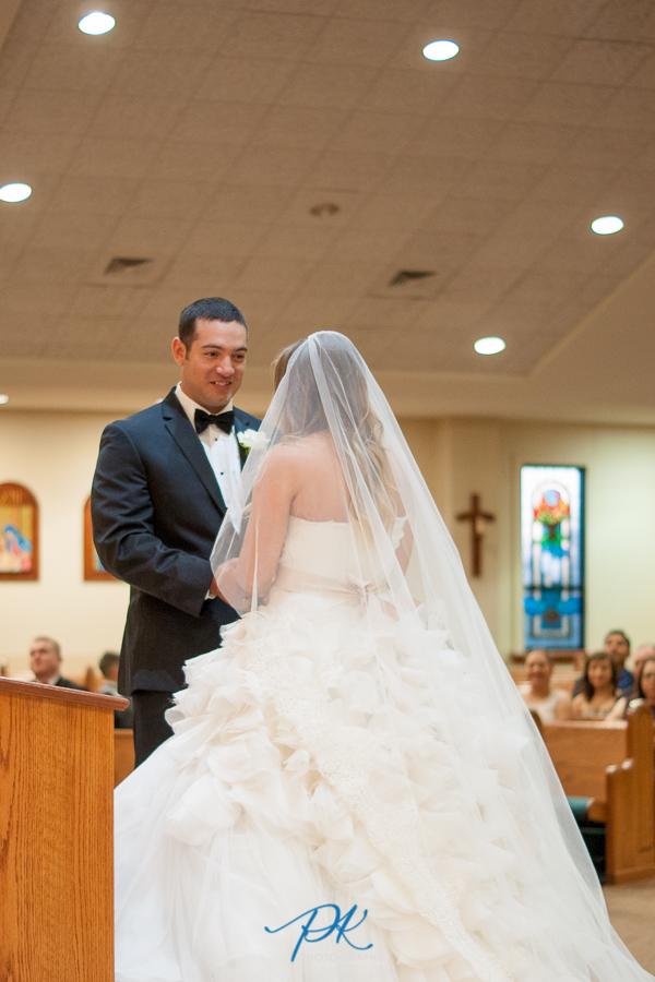 bride-and-groom-san-antonio-wedding-photographer.jpg