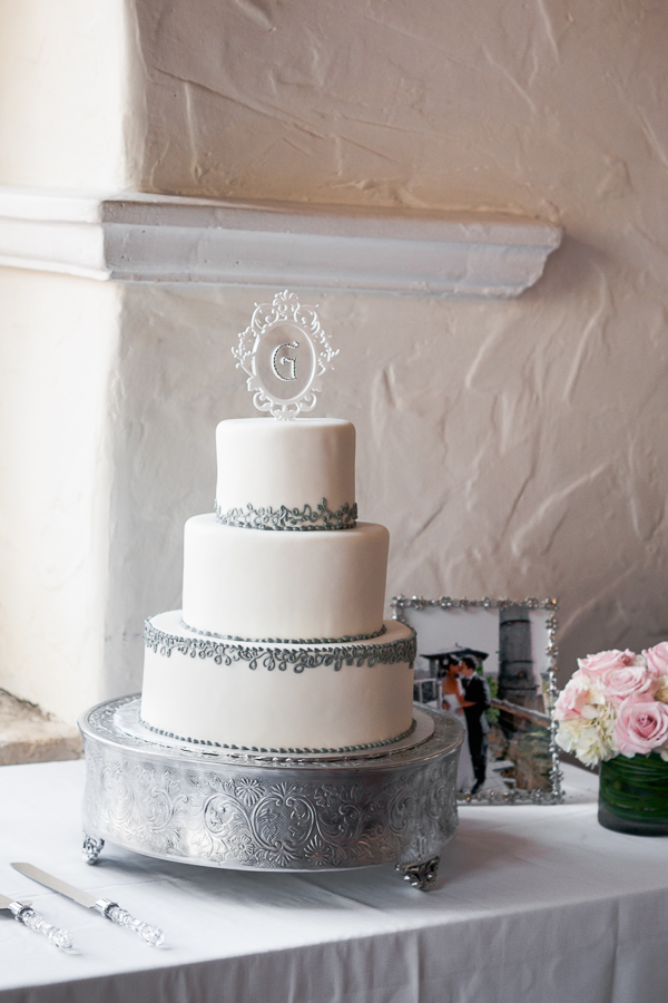 Wedding Cake at La Fonda on Main - San Antonio Wedding Photographer