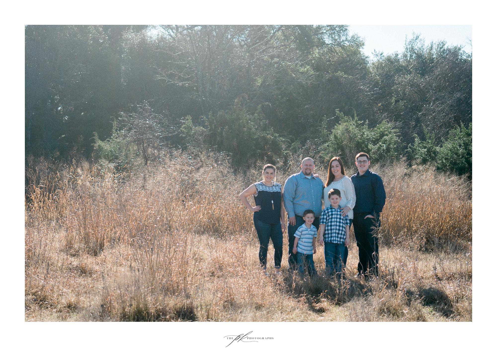 Family photoshoot at the Cibolo Nature Center, outside of San Antonio, Texas.