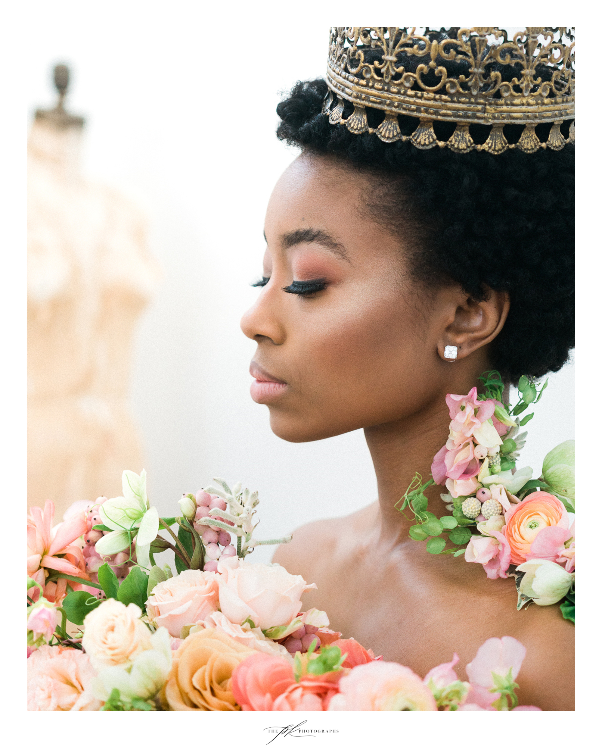Photographer: Parker Radbourne of  The PK Photographs  Model:  Kennedy Givens  H/MU: Marisa Camargo with  Glam on Demand  Flowers:  The Vintage Bouquet Bar  Jewelry:  Nicole Mera  Vintage Mannequin: The Local, TX