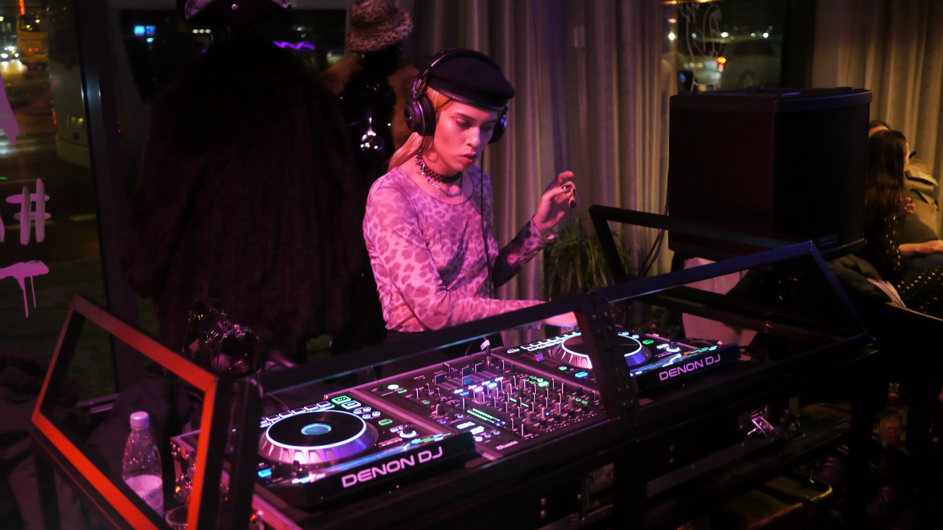 DJ set:  ALYHA LOVE