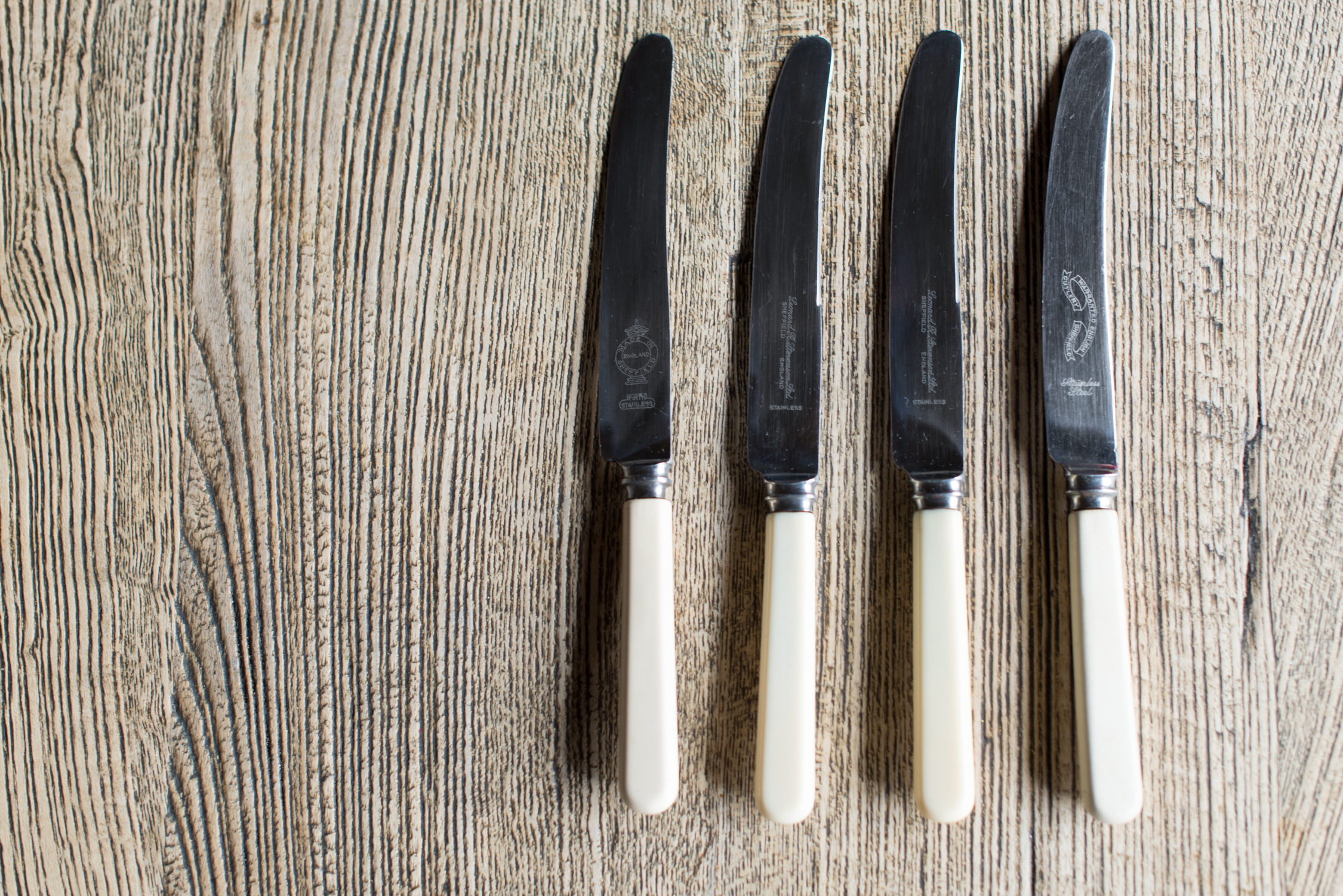 Faux Bone & Stainless Steel Knives (Main Course//Starter//Butter)