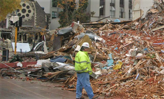 Reconstructions_following_the_2011_earthquake_in_Christchurch,_New_Zealand.jpg