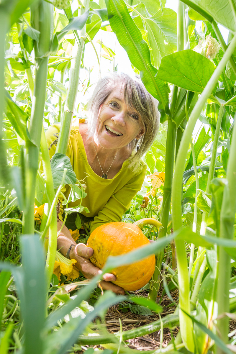 Hi, I'm Tess - I'm a backyard gardener + real food believer on a mission to change the way we feed ourselves.Through my garden shop + educational courses I've gathered nearly 25 years of experience. And taught hundreds of health minded gardeners how to simplify + amplify their food growing efforts.I believe a green thumb isn't something we are born with - but rather a language we are taught. And the garden is a library waiting for us to read it's pages.If you are serious about your health and ready to grow superior food - let me help you!What are you waiting for? Join me for an online class and let's grow our food together!