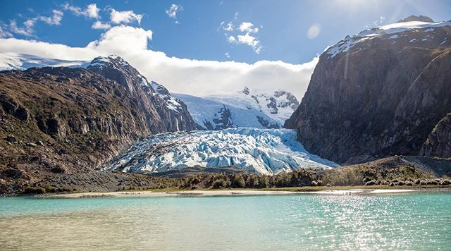 Bernal Glacier!! Great little walk, with a impromptu sax concert, followed by a few jumping pics. #patagonia @aktravel_usa #chile . . . . . . . #travel #traveling #vacation #visiting #instatravel #instago #instagood #trip #holiday #photooftheday #fun #travelling #tourism #tourist #instapassport #instatraveling #mytravelgram #travelgram #travelingram #igtravel
