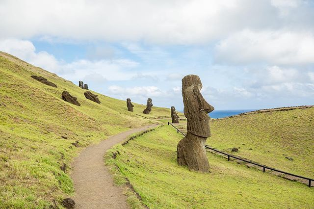 Rano Raraku!! 3rd visit and it just keeps getting better! #EasterIsland #chile @aktravel_usa #akprivatejet . . . . . . . . #moai #travel #traveling #vacation #visiting #instatravel #instago #instagood #trip #holiday #photooftheday #fun #travelling #tourism #tourist #instapassport #instatraveling #mytravelgram #travelgram #travelingram #igtravel