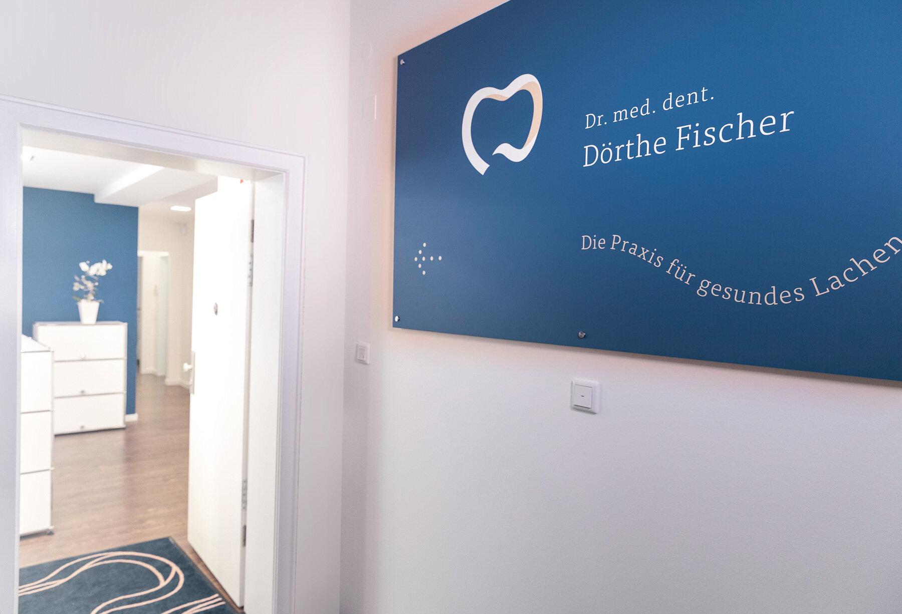 Zahnarzt-Praxis-Doerthe-Fischer-Wuerzburg-modern-identity-design-innenstadt-gehoben-1036-4.jpg