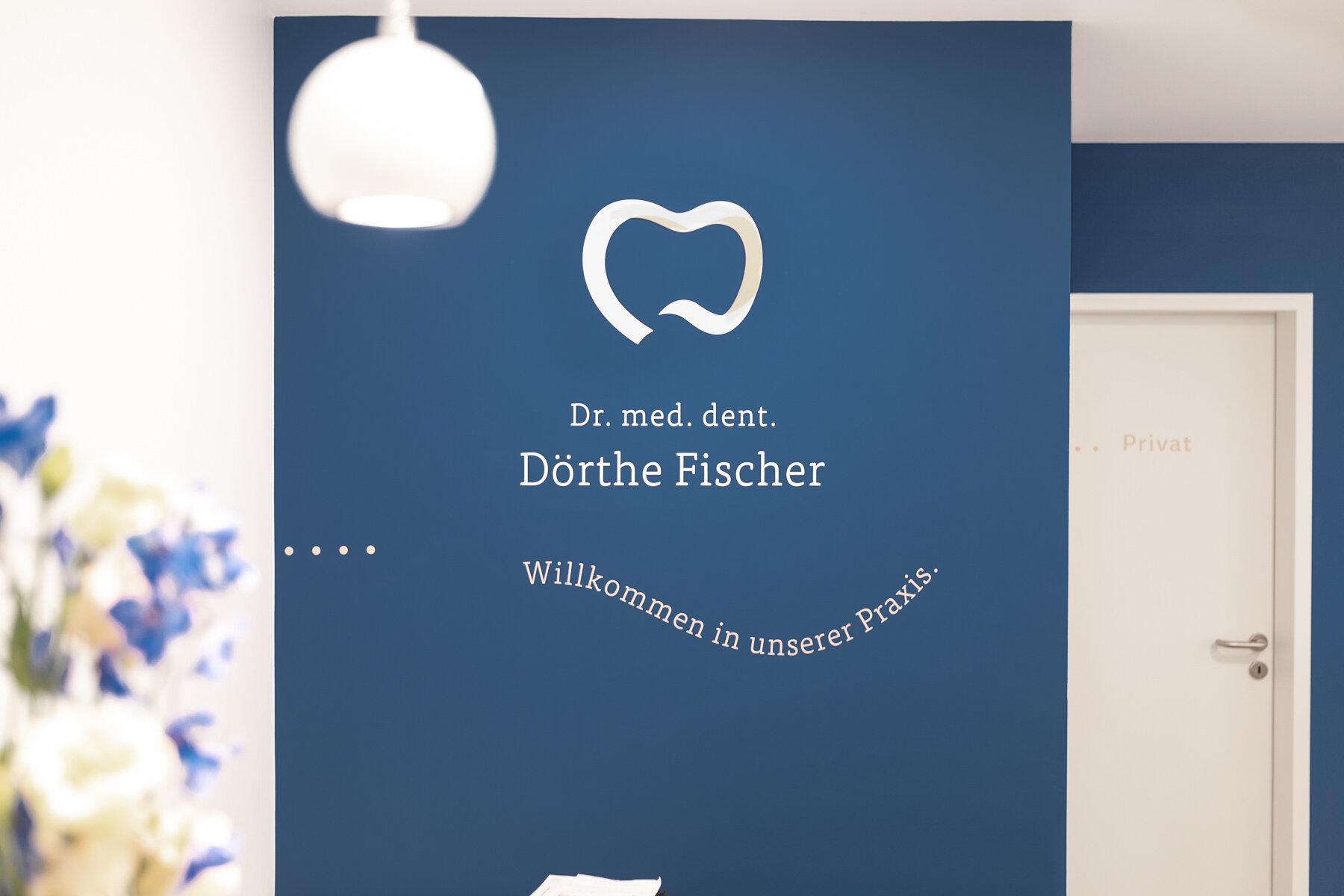 Zahnarzt-Praxis-Doerthe-Fischer-Wuerzburg-modern-identity-design--1054-2.jpg