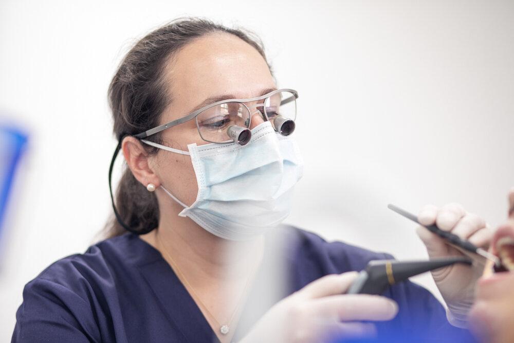 Zahnarzt-Praxis-Dr-Doerthe-Fischer-Wuerzburg-kaiserstrasse-2-kontrolle-bonusheft-0527.jpg