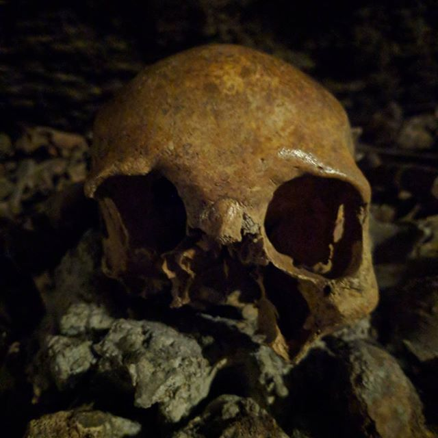 Les catacombes/historical French quarry. 💀