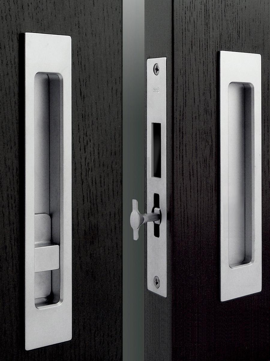 HB 697 : Pocket Door Strike Body