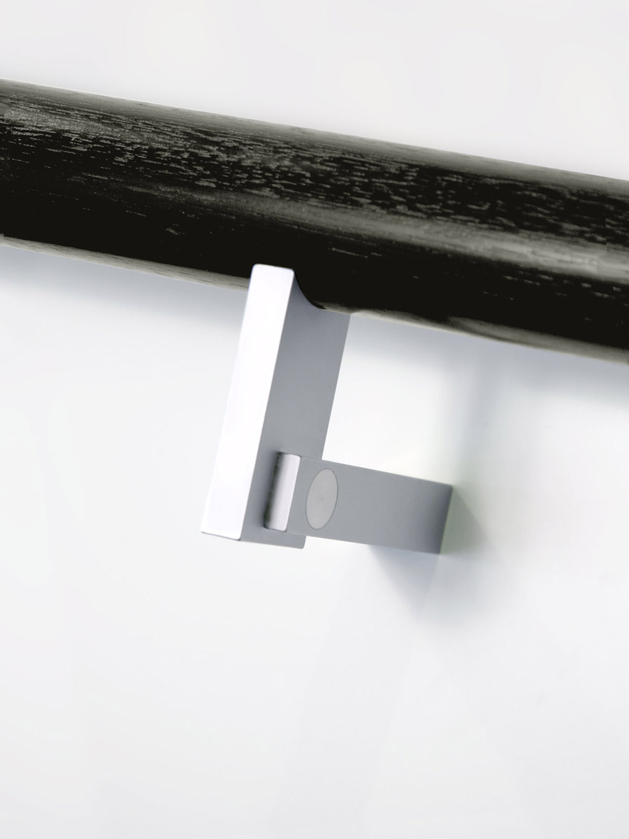 HB 560 : Handrail Bracket
