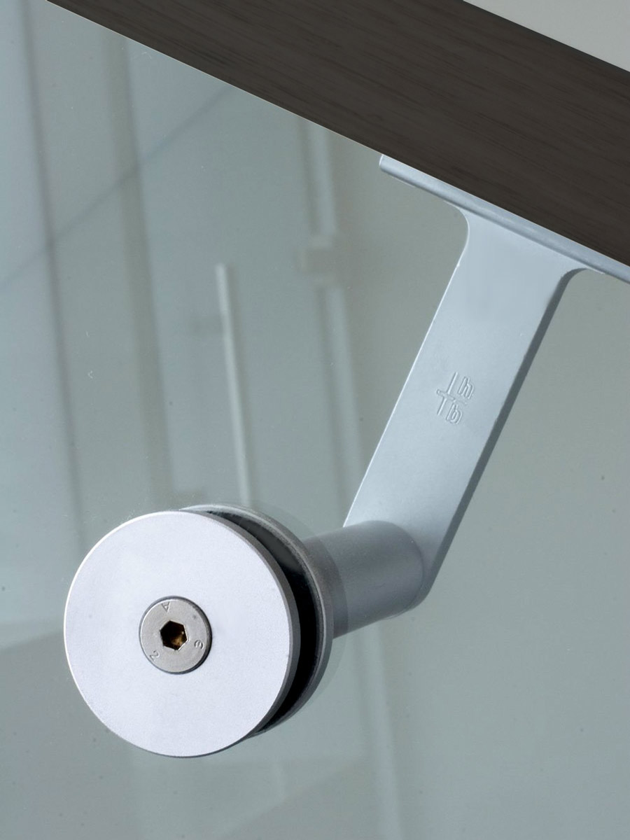 HB 510 : Bracket Mounted to Glass