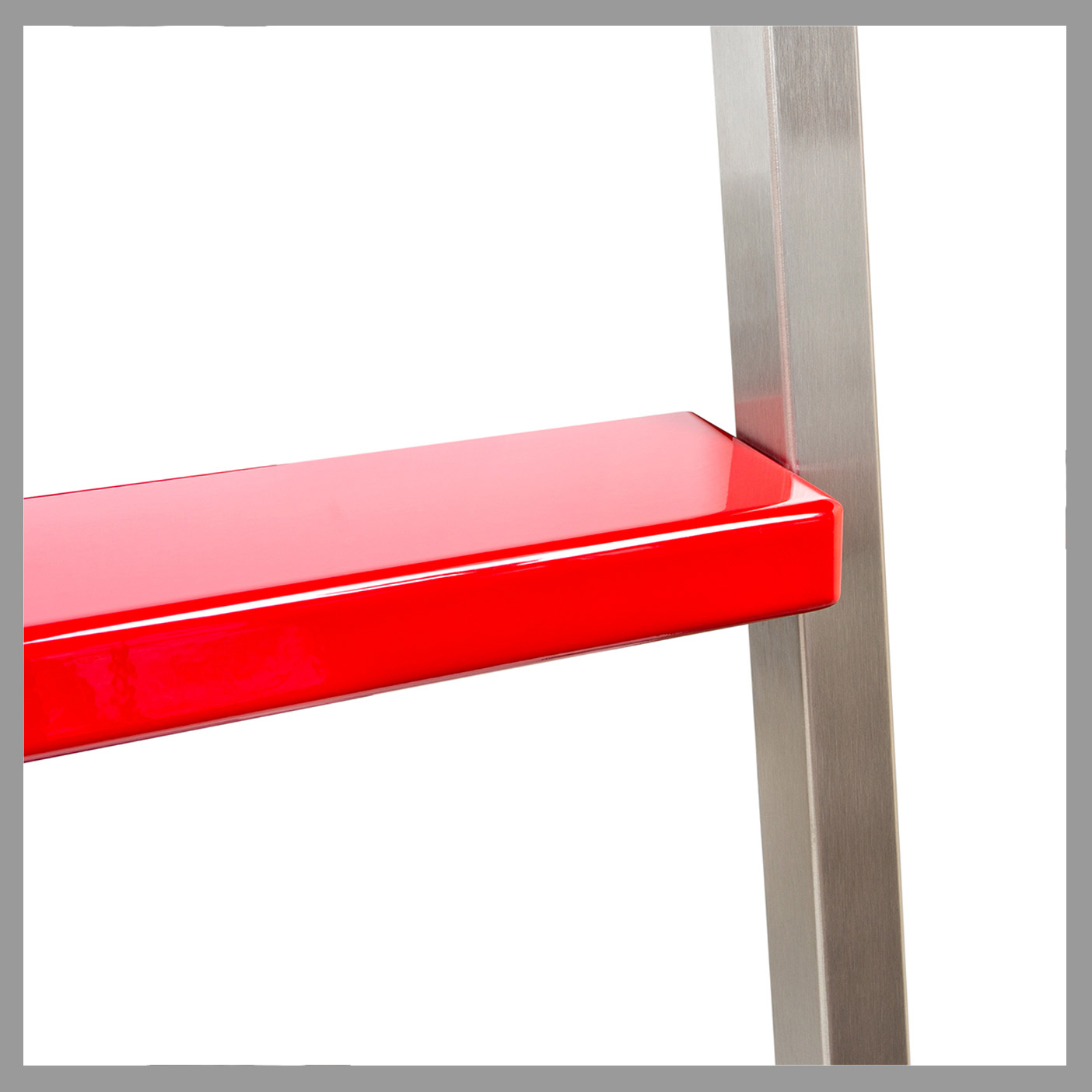 Akzent : Square Stringers + Powder-Coated Stainless Steel Steps