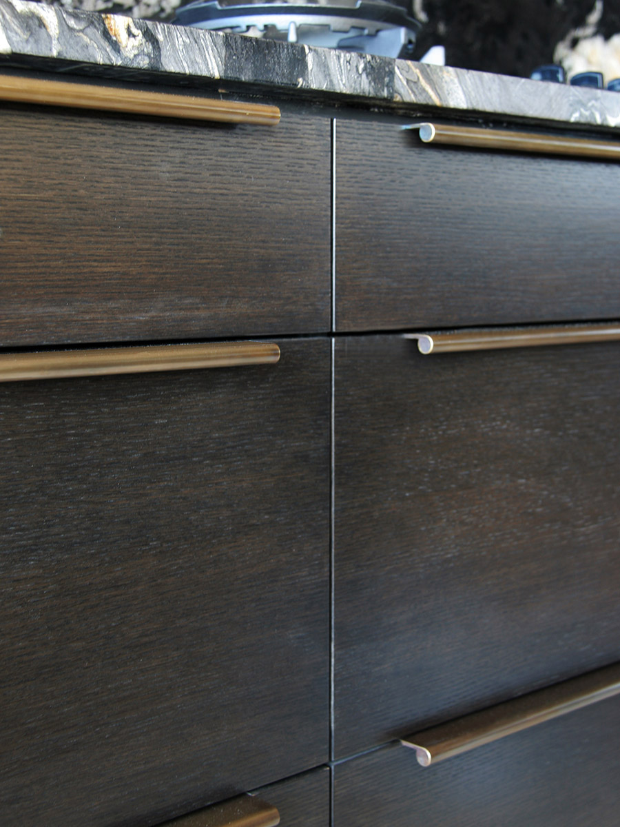 HB 385 : Continuous Drawer Pulls