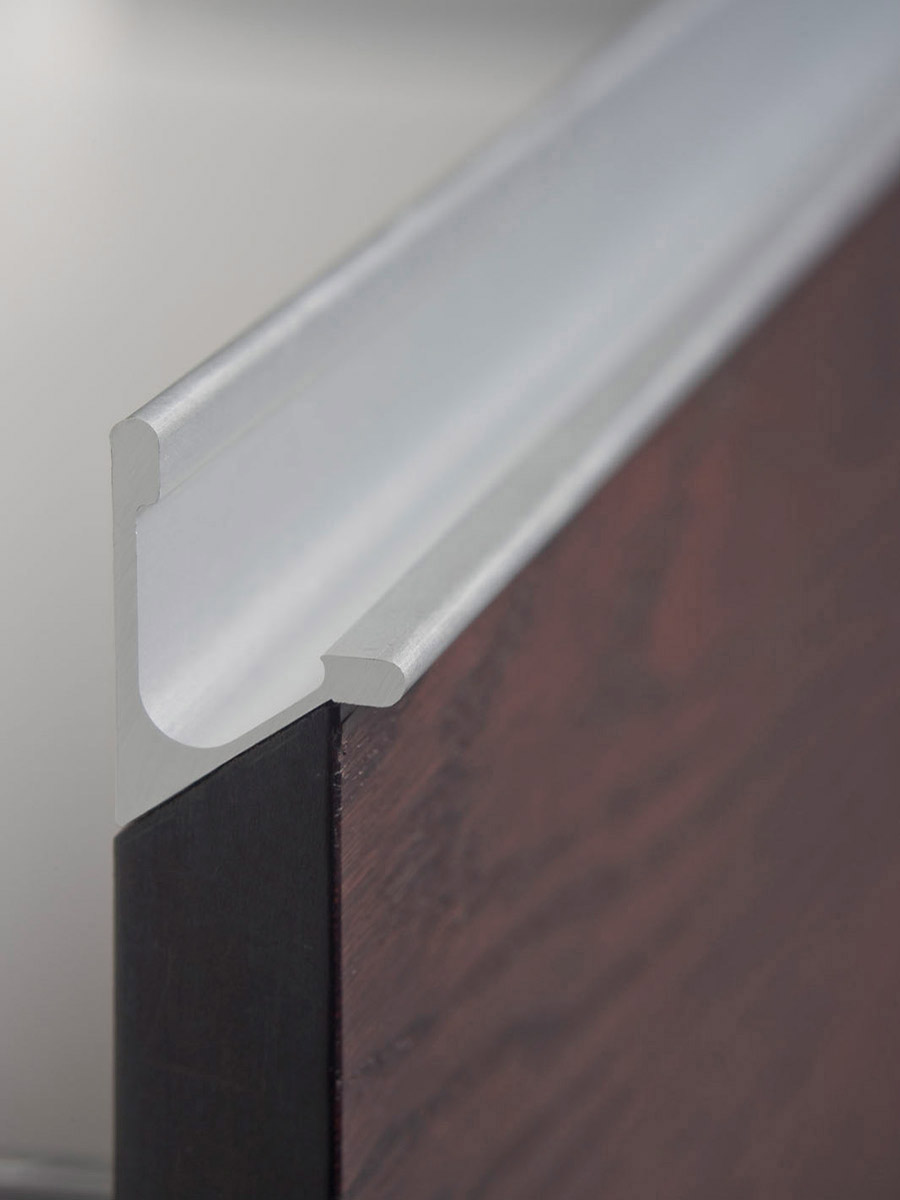 HB 370 : Continuous Drawer Pull