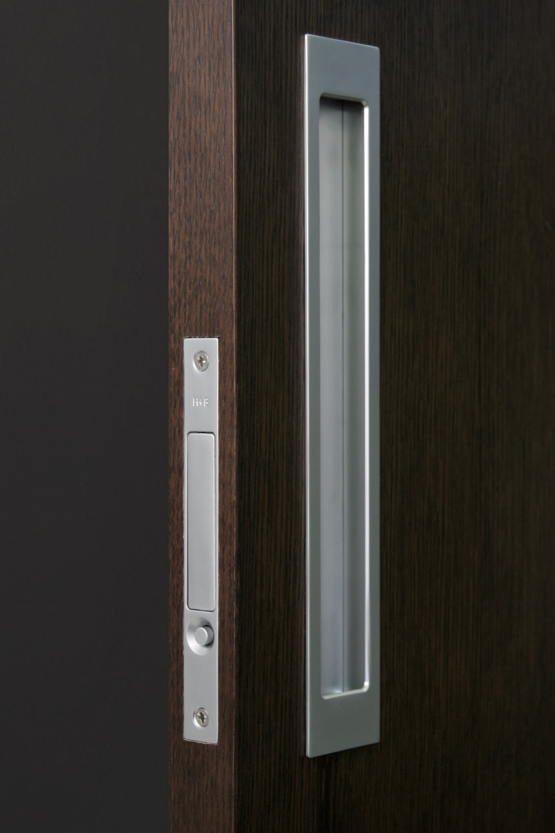 HB 680 : Push-Button Edge Pull