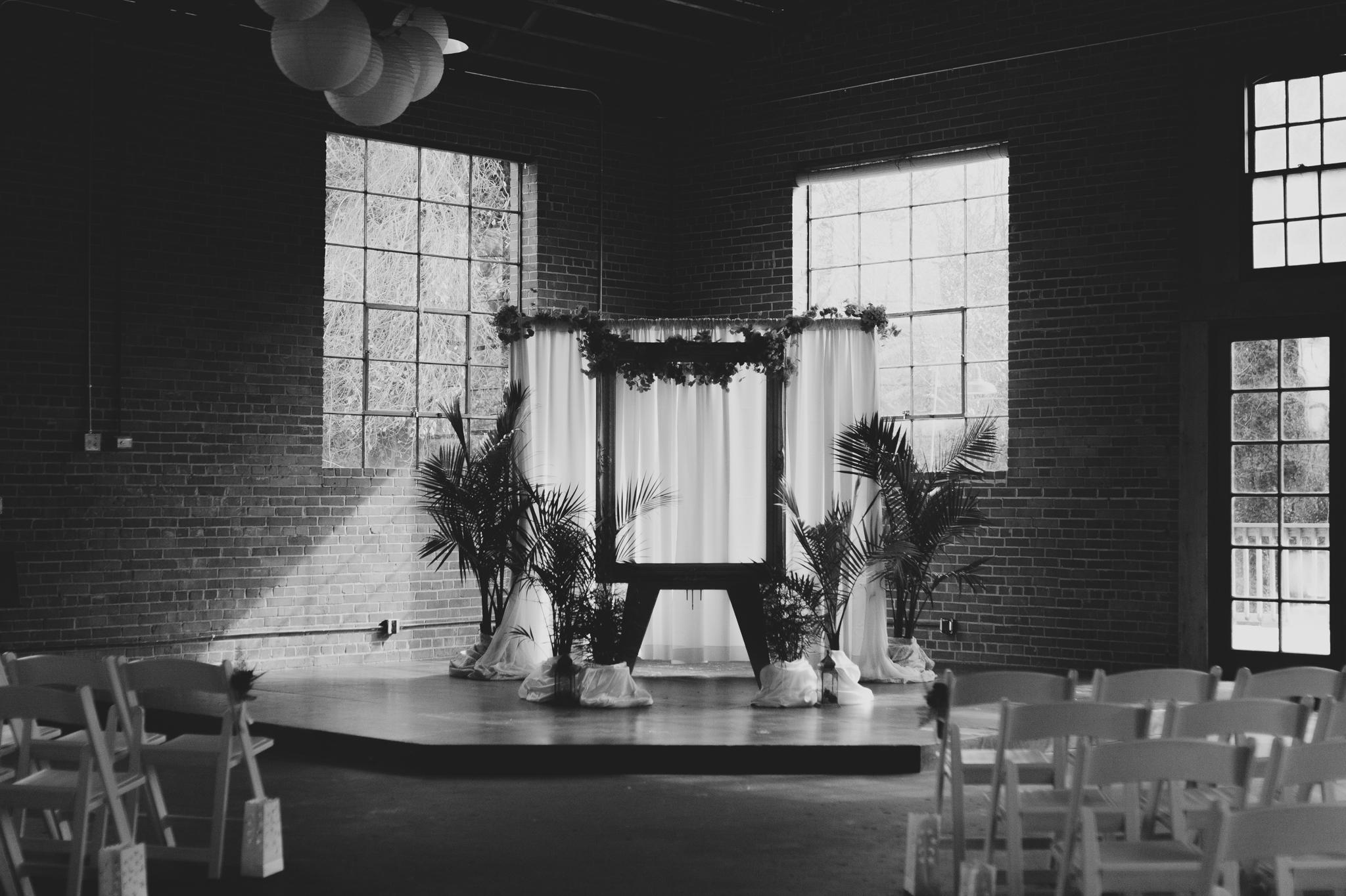 columbia-sc-wedding-photographer-winter-senates-end-downtown-2