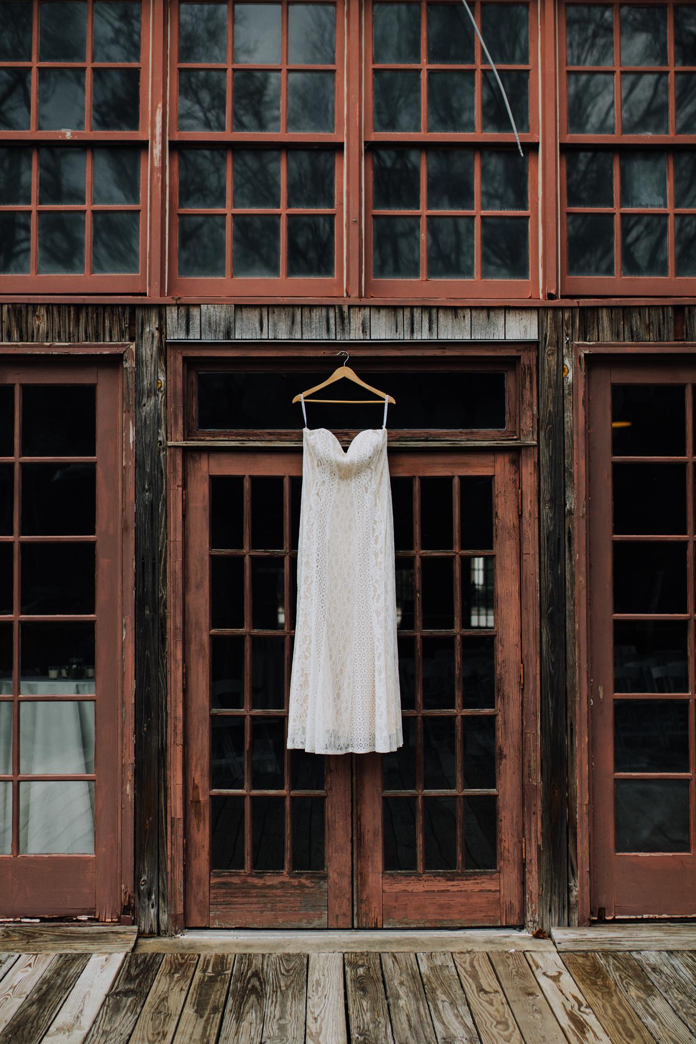 columbia-sc-wedding-photographer-winter-senates-end-downtown-1