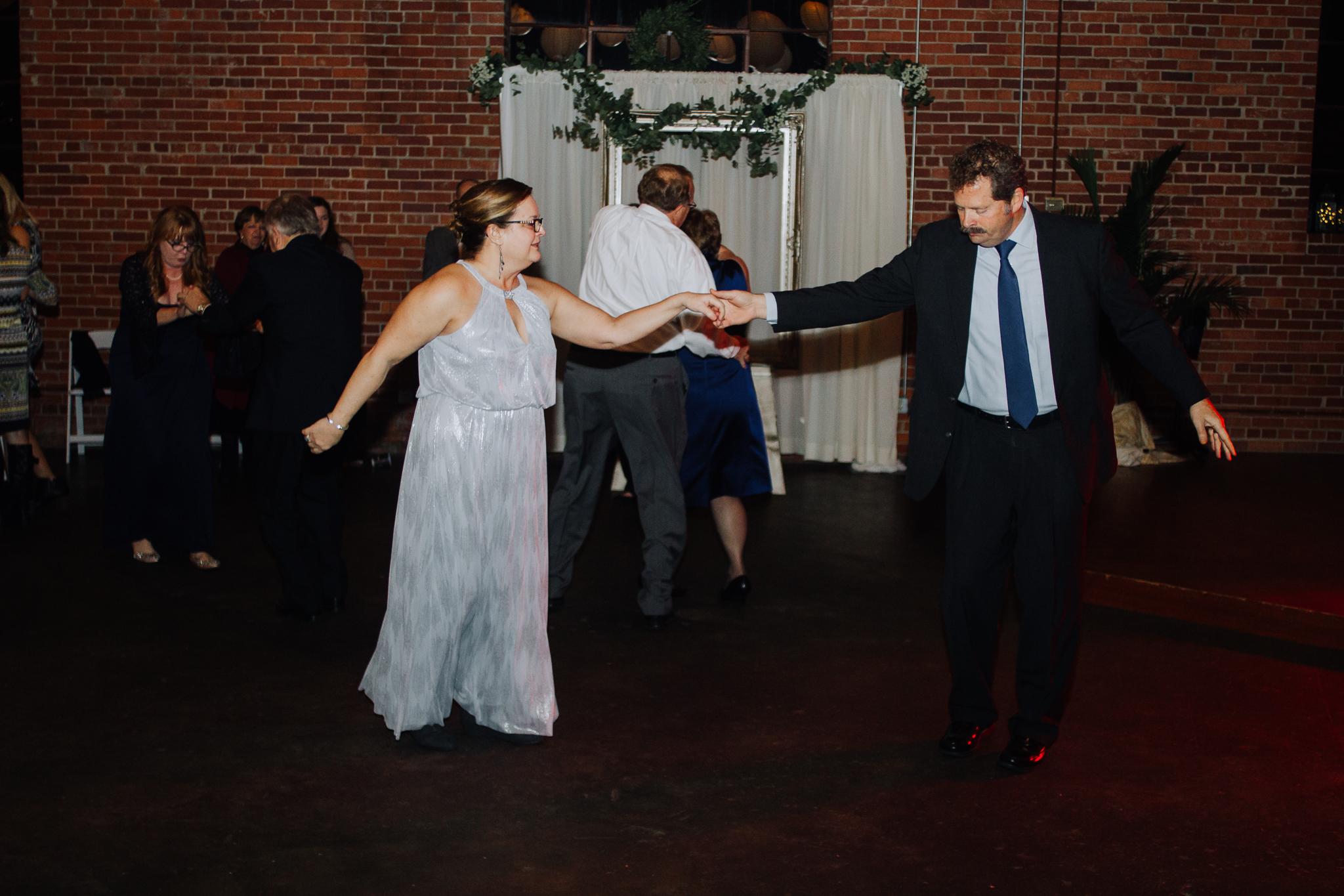 columbia-sc-wedding-photographer-winter-senates-end-downtown-44