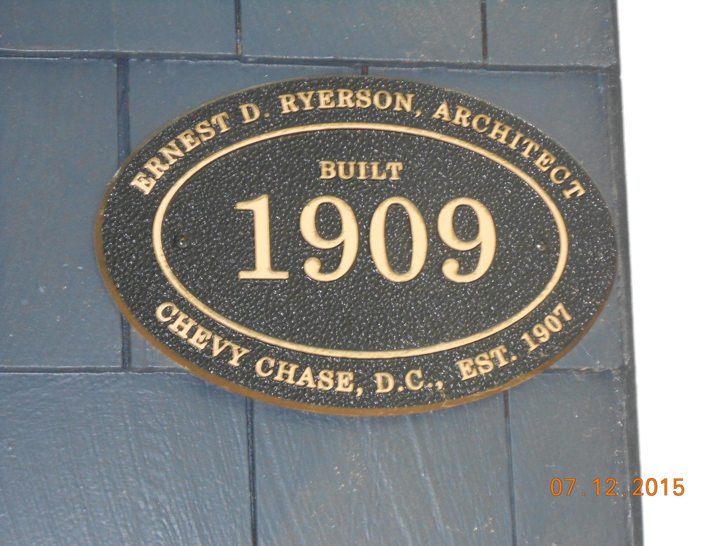 3707 Morrison St