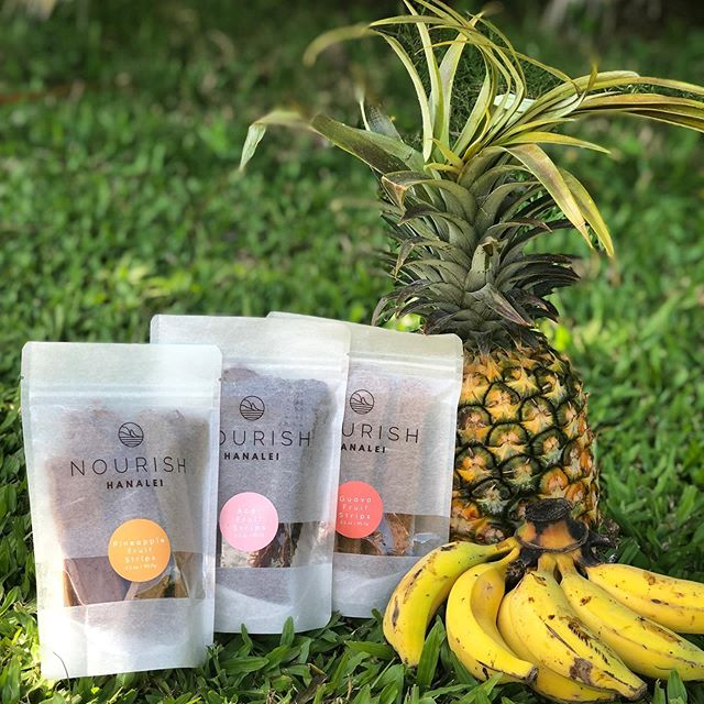 Always fruit 🍌🍍that's it... if you aren't local, check out our online store to shop all our yummy fruit strips {{guava, açaí and pineapple}} 🌴