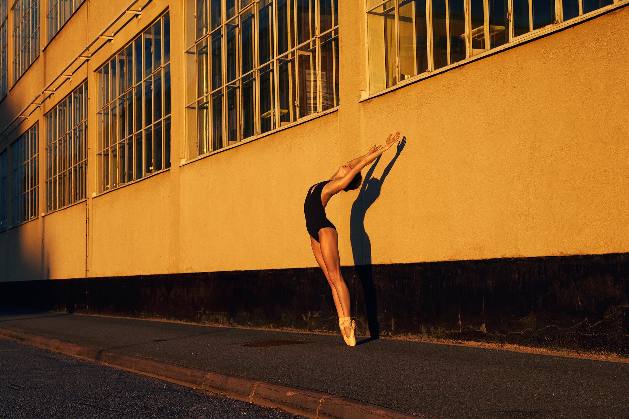 ballerina in Frihamnen Nr.1 in  color