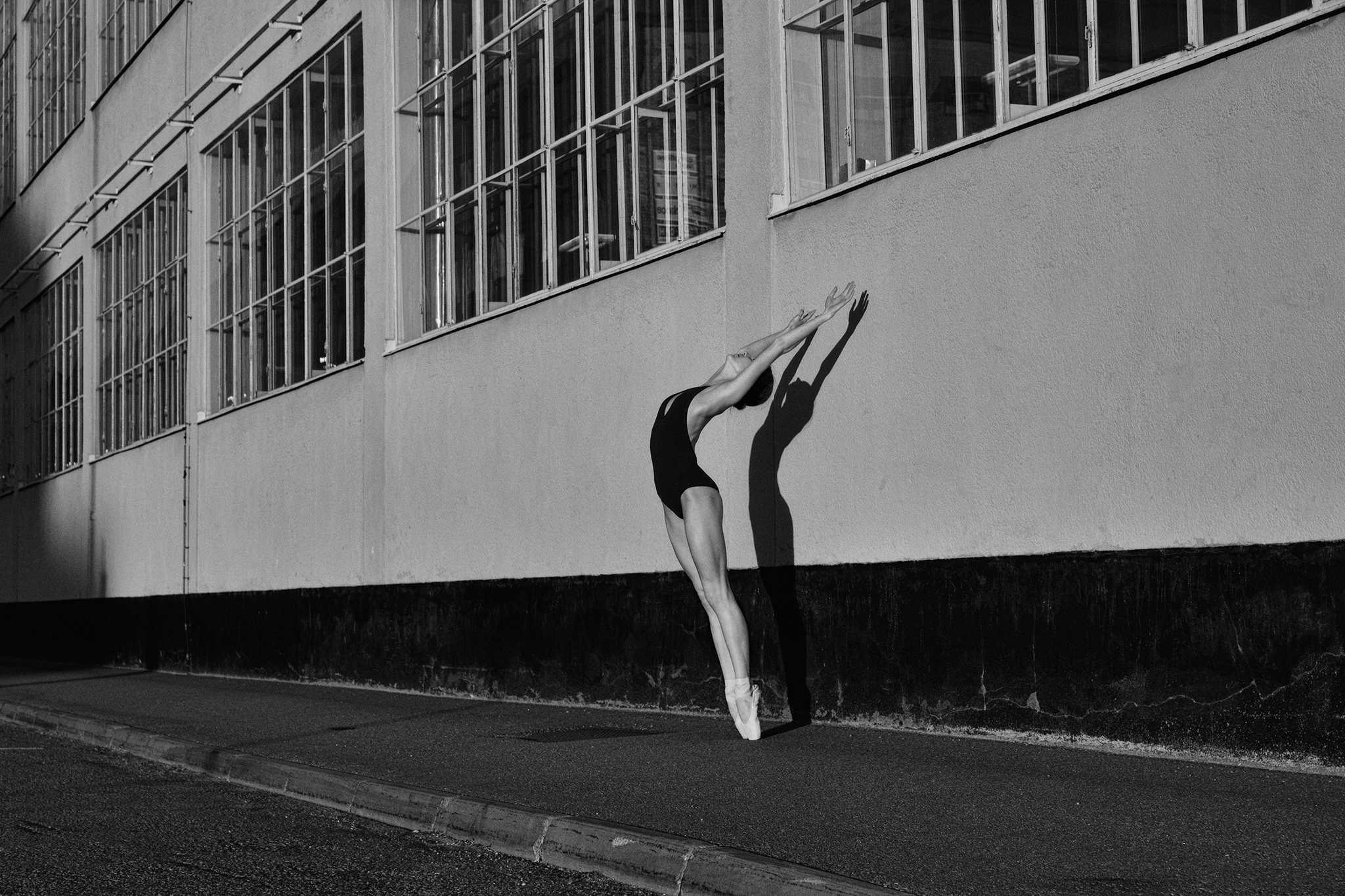 ballerina in Frihamnen Nr.1 in  black &white