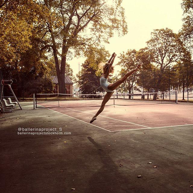 ballerina at tennis court Nr.1 from the @ballerinaproject_s Fine art prints @maxmadegallery by @photographermaxmoden ballerina @sineadbrodd #ballerina #tennis #stockholm #worldwideballet #ballerinaproject