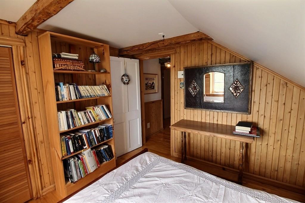 maison-rimouski-219-chemin-du-sommet-chambre-a-coucher-2-a