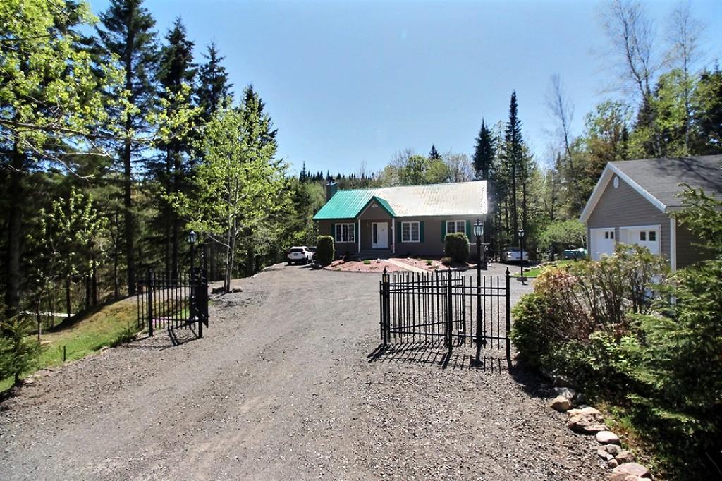 maison-à-vendre-293-chemin-des-lacs-lac-beauport-david-fafard+(23).jpg