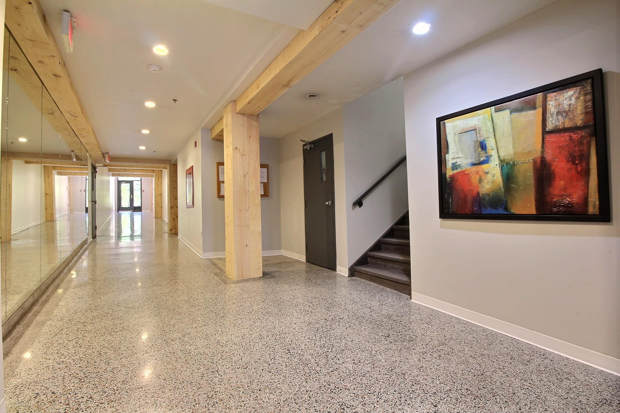 Loft Quebec a vendre 274 rue du parvis unite 304 (5).jpg