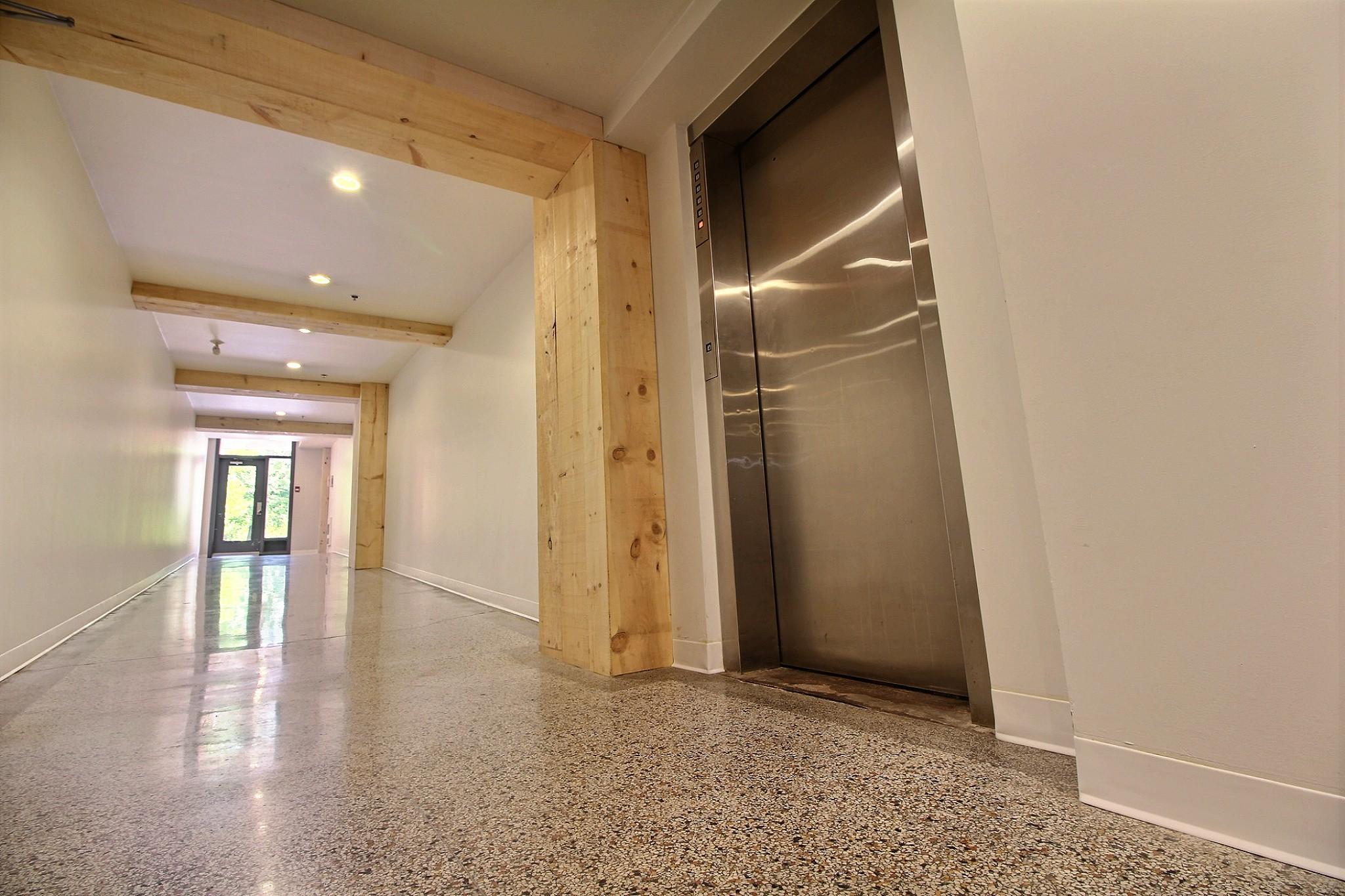 Loft Quebec a vendre 274 rue du parvis unite 304 (6).jpg