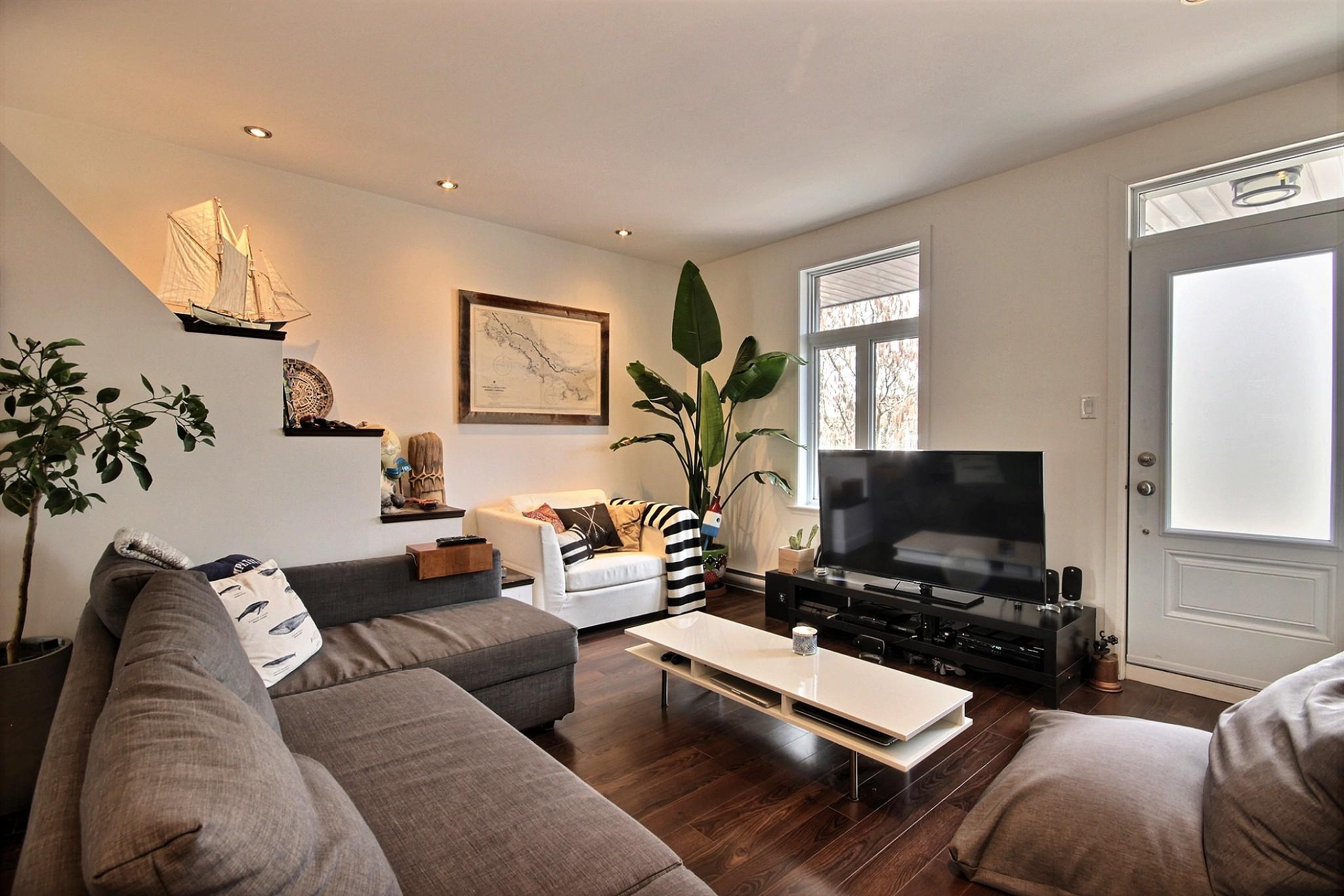 Triplex Montcalm Avenue Murray a vendre david fafard courtier immobilier (3).jpg