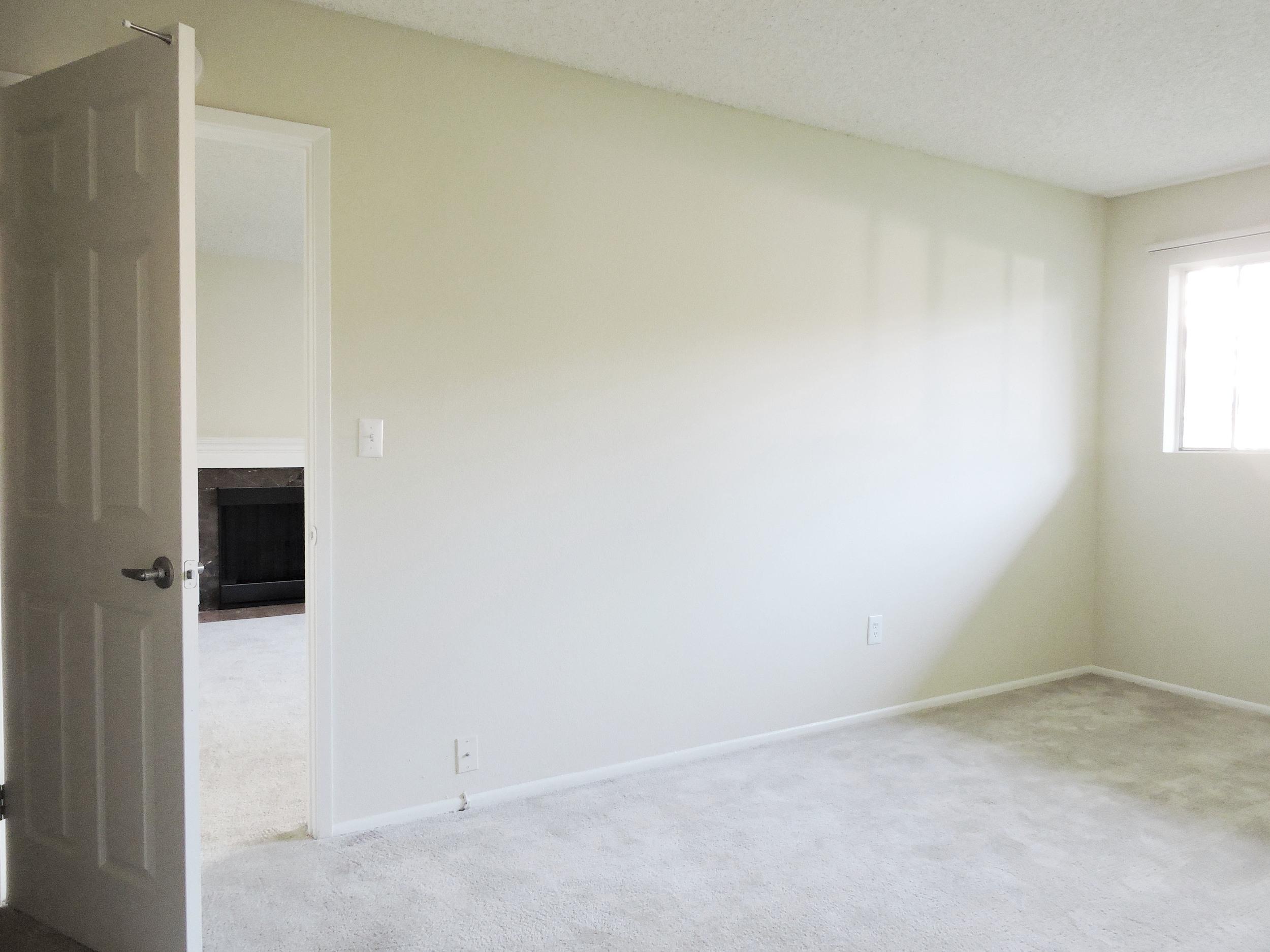 163 1 bedroom2.jpg