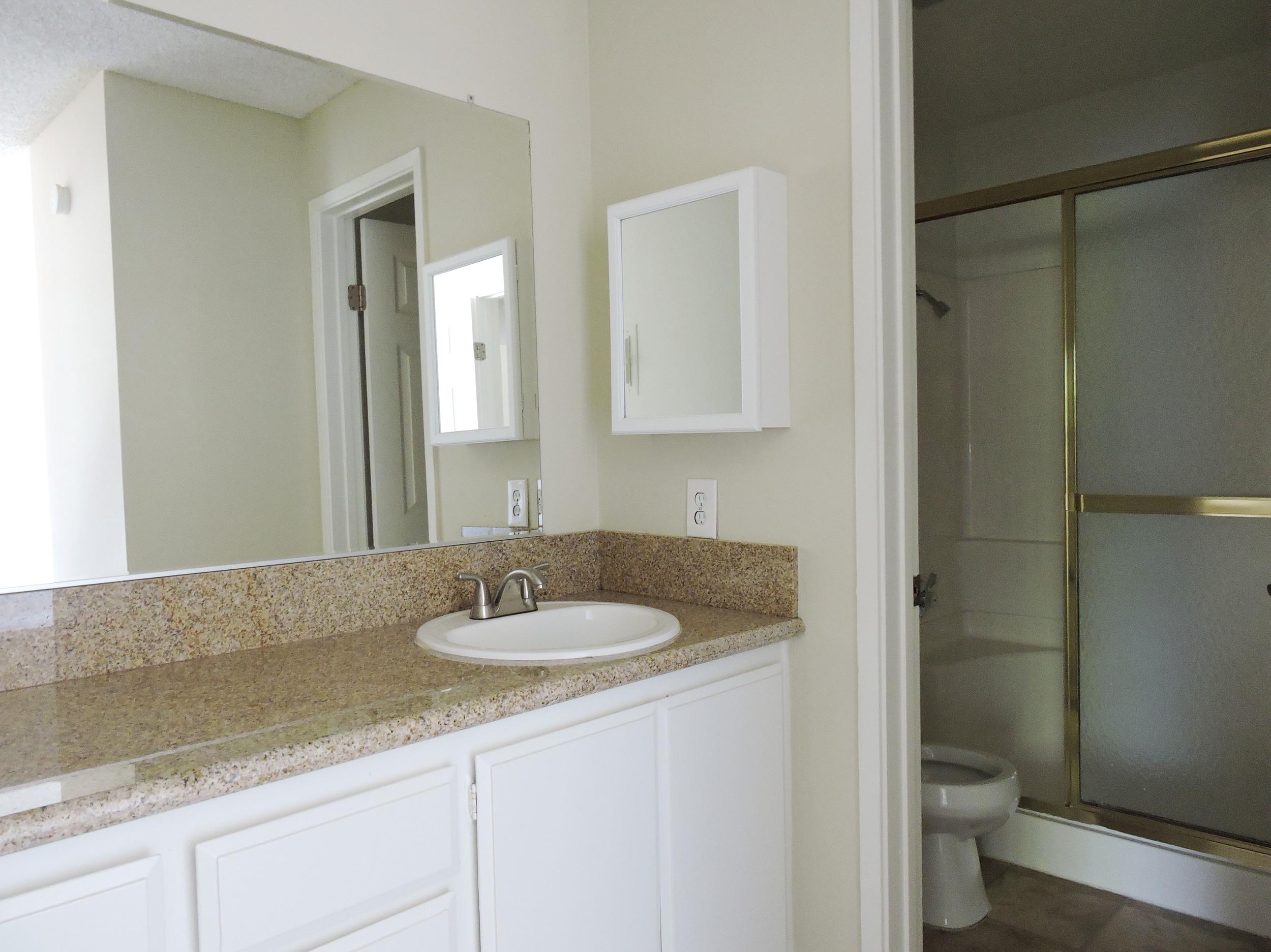 lantana bathroom.jpg