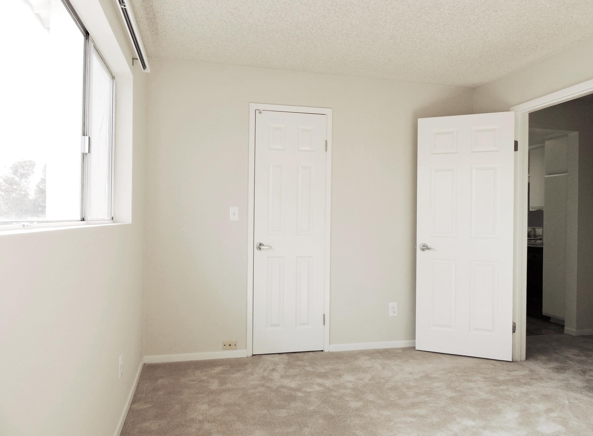 233 2nd bedroom.jpg