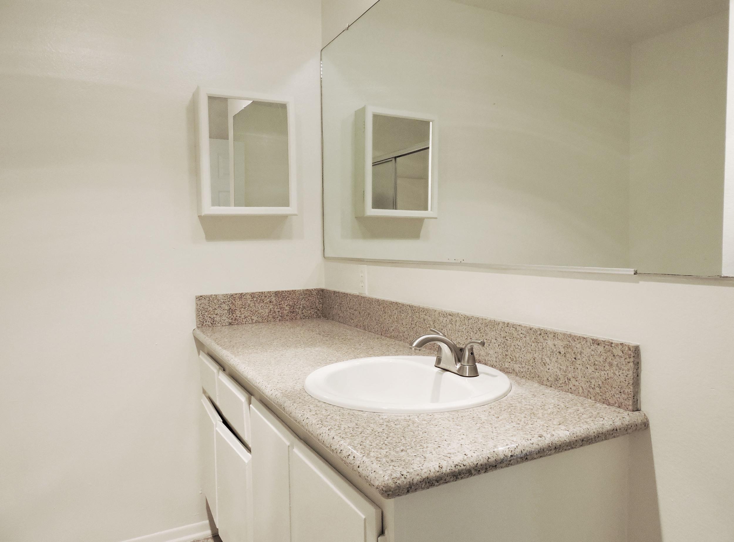 233 bathroom.jpg