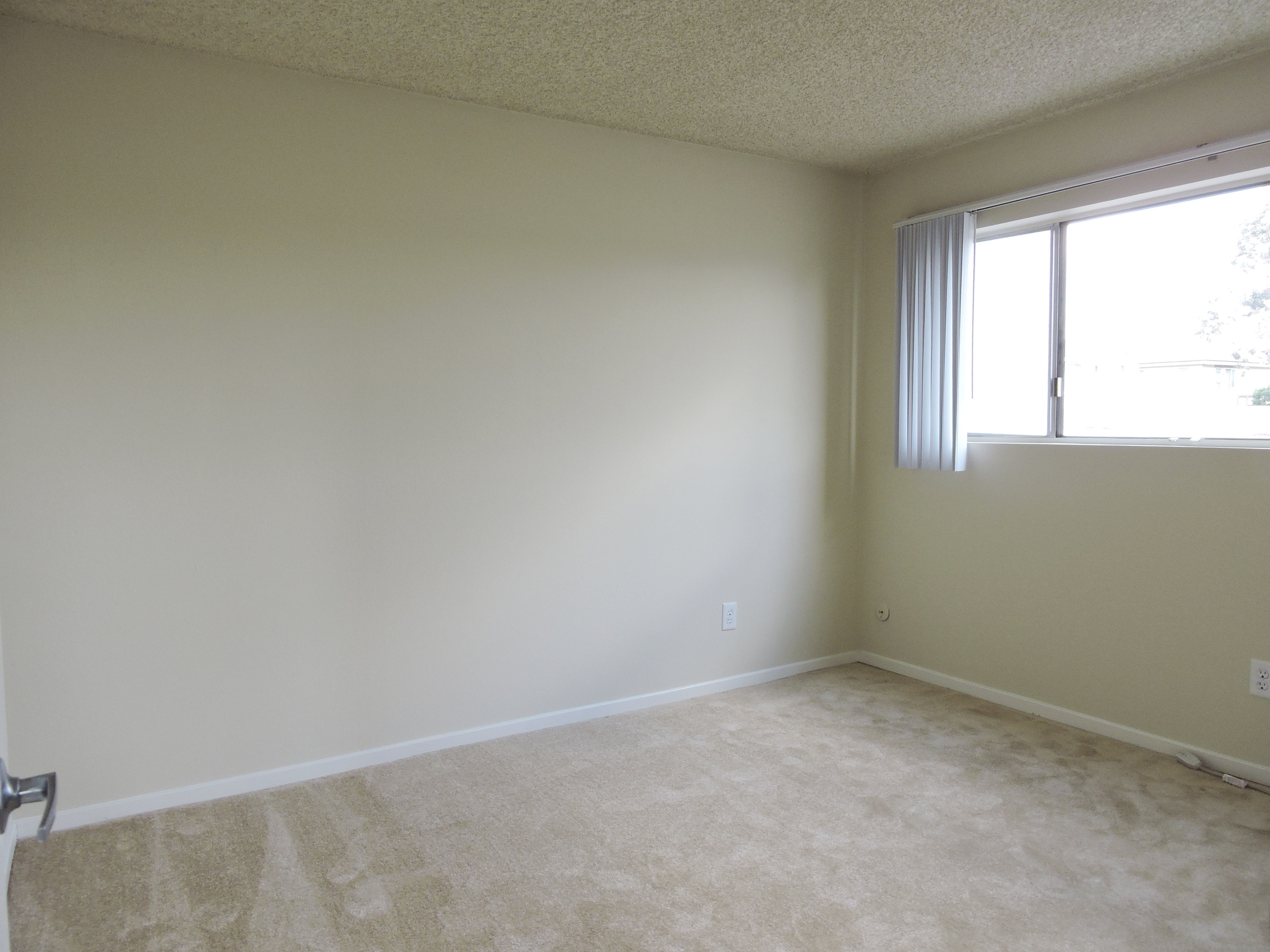 233 bedroom3.jpg