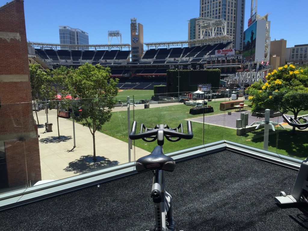 The most amazing gym I've ever seen - FIT San Diego. Overlooking Petco Park, home of the Padres. If you can't bring yourself to sit on that bike for 20 mins, and enjoy the cool Cali breeze, then we need to have a talk!