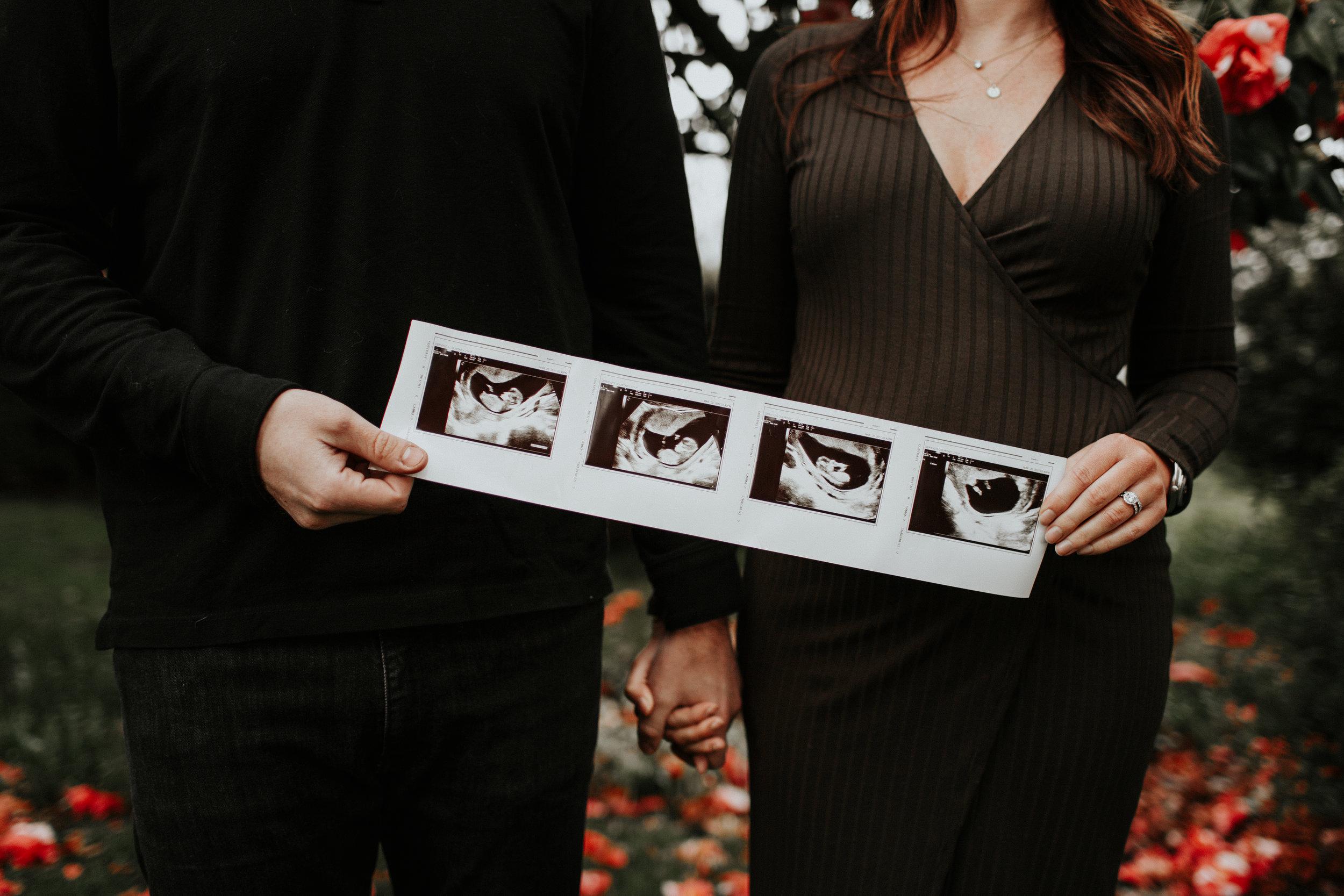 ginapaulson_courtney_maternityannouncement-18.jpg