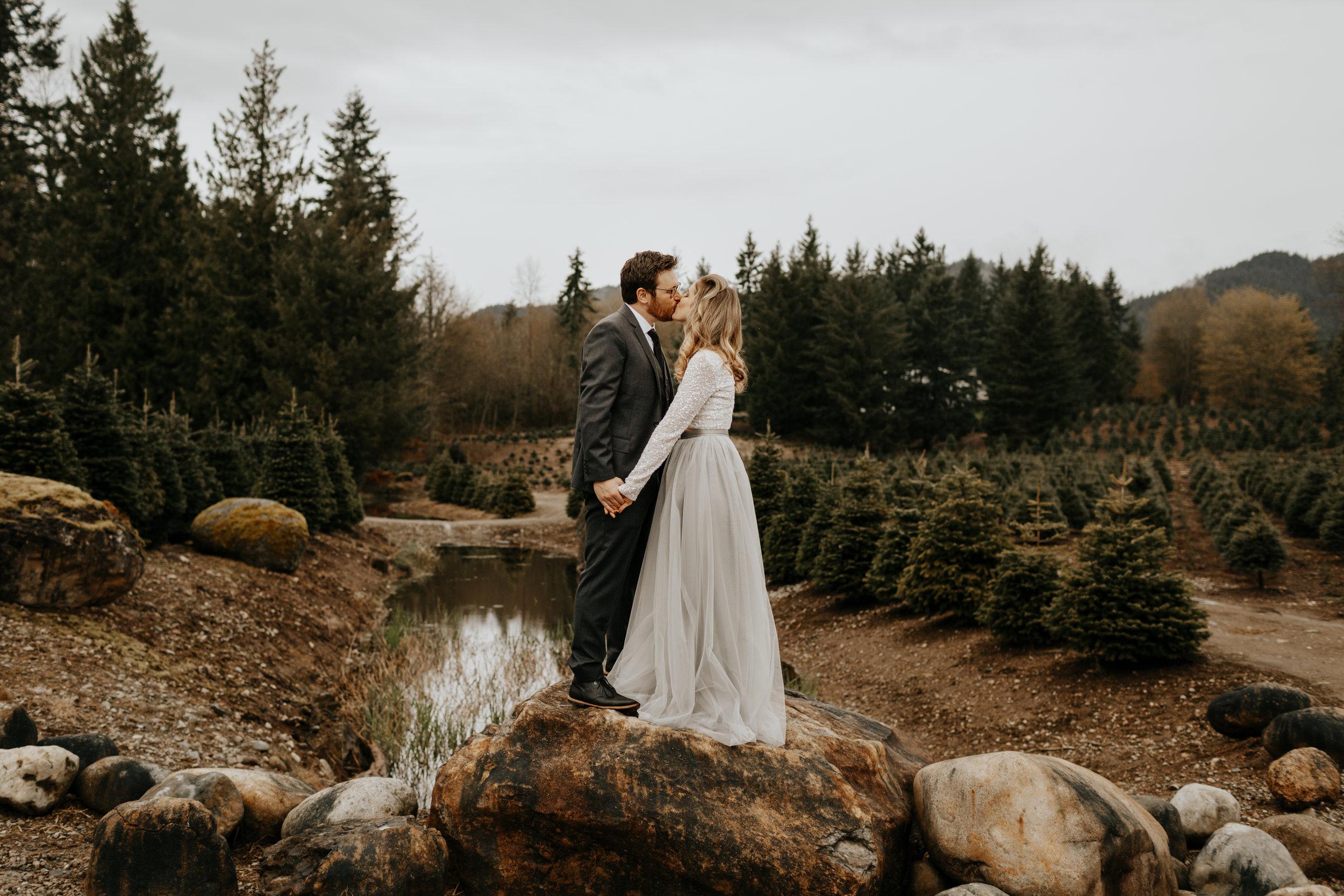 ginapaulson-courtnyandryan-wedding-216.jpg