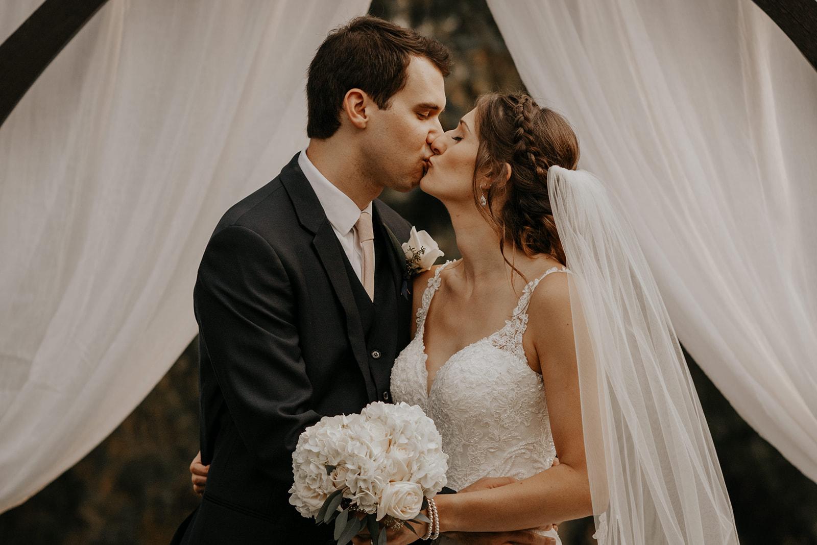ginapaulson_camiryan_wedding-663.jpg