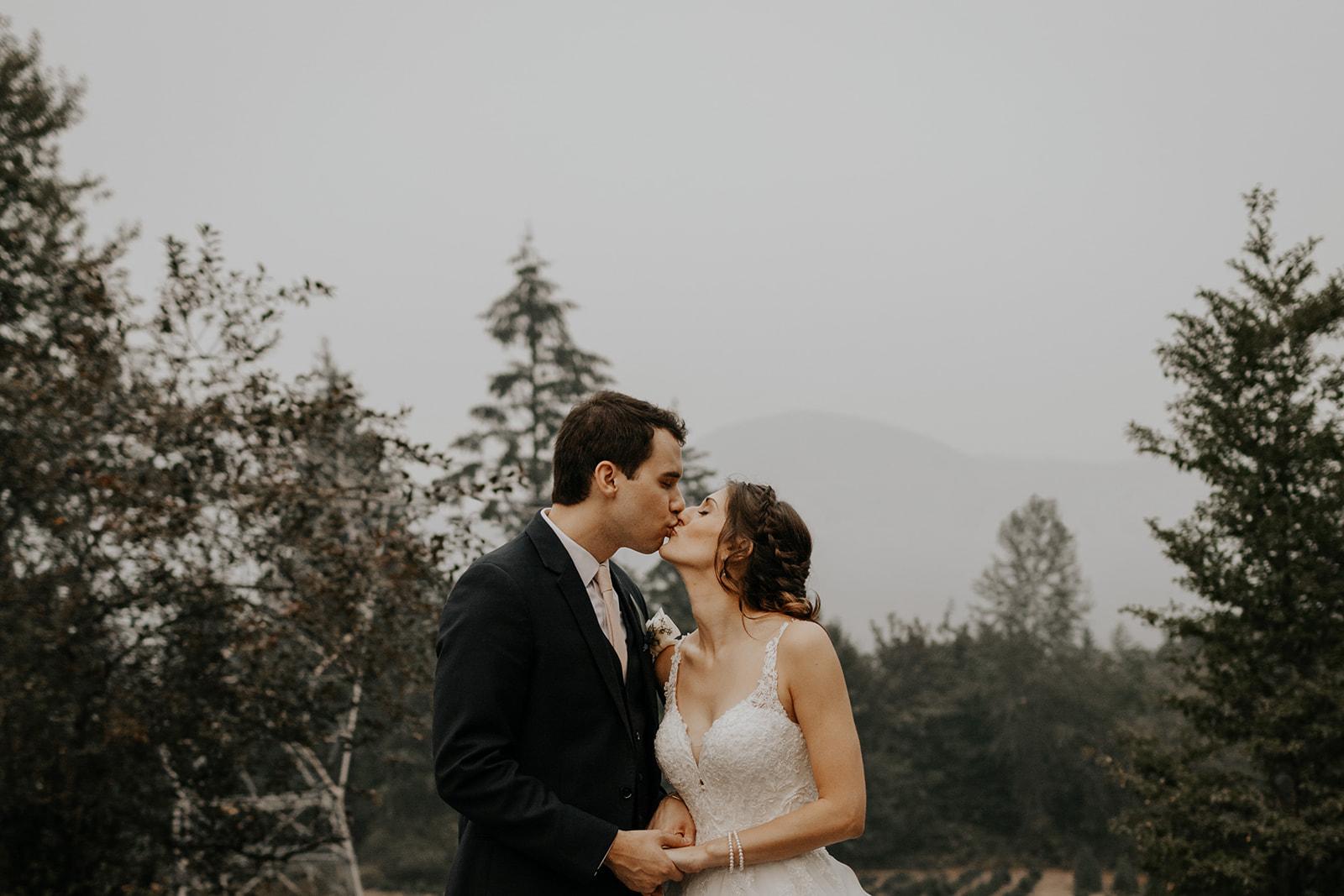 ginapaulson_camiryan_wedding-1093.jpg