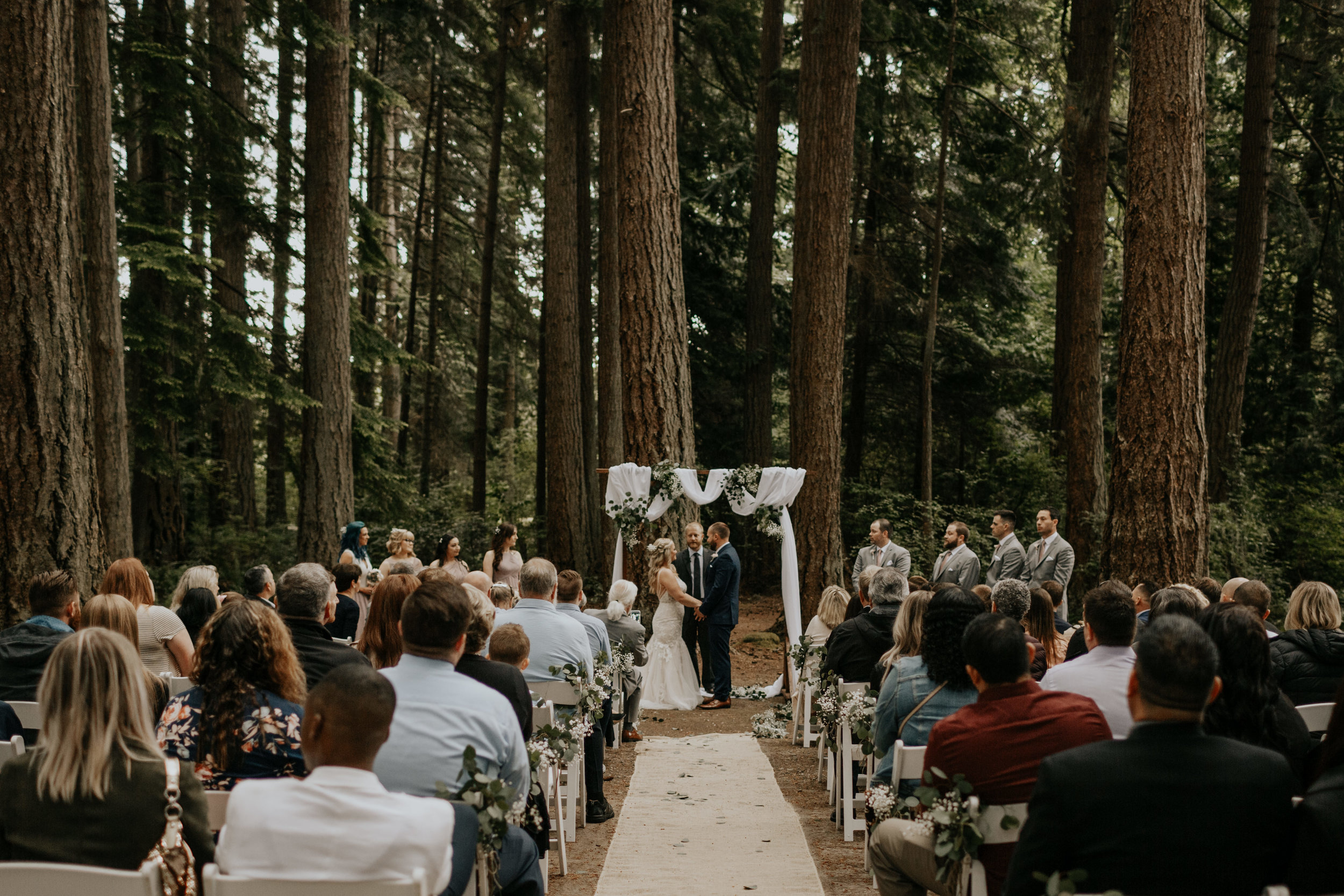 OUTDOOR CEREMONIES TIPS + TRICKS